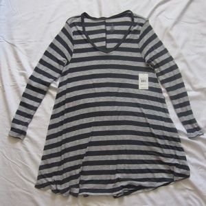 Volcom. Striped dress. Large. NWT